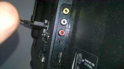 3. Plus en min steken in deze audio inputs, nieuwe TV-400.jpg