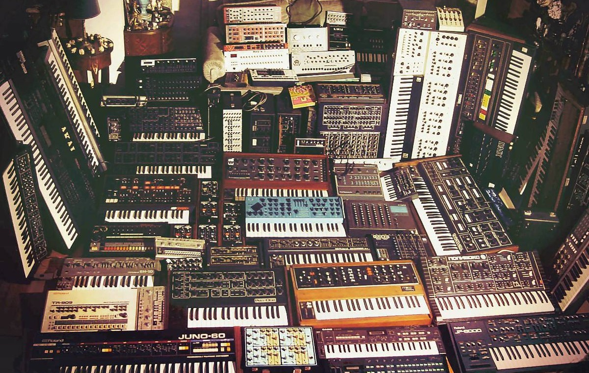 vintage synth collection_1.jpeg